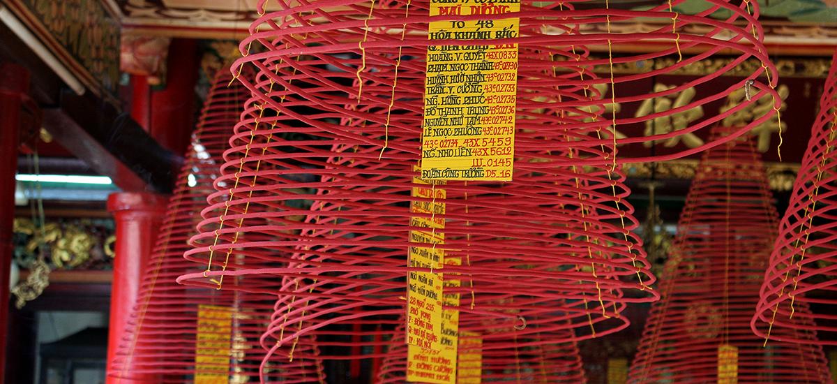 Espirales de incienso en Hoi An